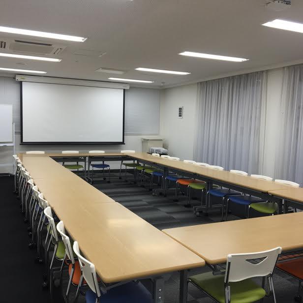 大阪本町の貸し会議室「大阪クロススクエア」