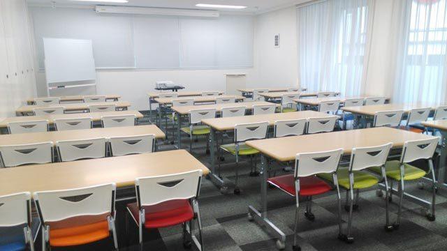 スクール形式の貸し会議室